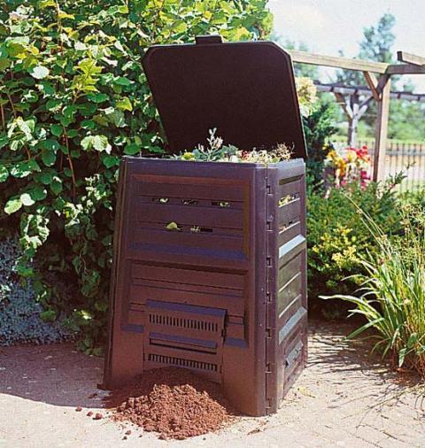 Plastikinė komposto dėžė. Nuotrauka iš http://sustainabletable.org.au