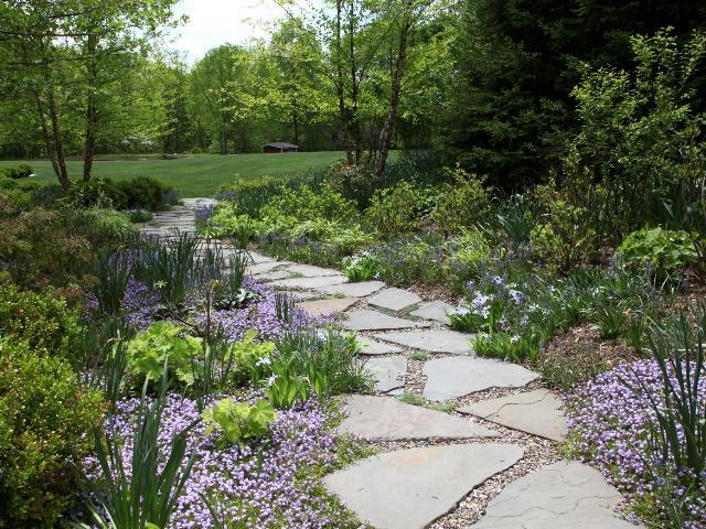 Akmenų plokščių takas. Nuotr. iš www.diynetwork.com