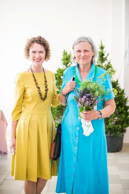 Gražina Žumbakienė į konferenciją atvyko su kvepiančia gėlių ir žolelių puokšte.