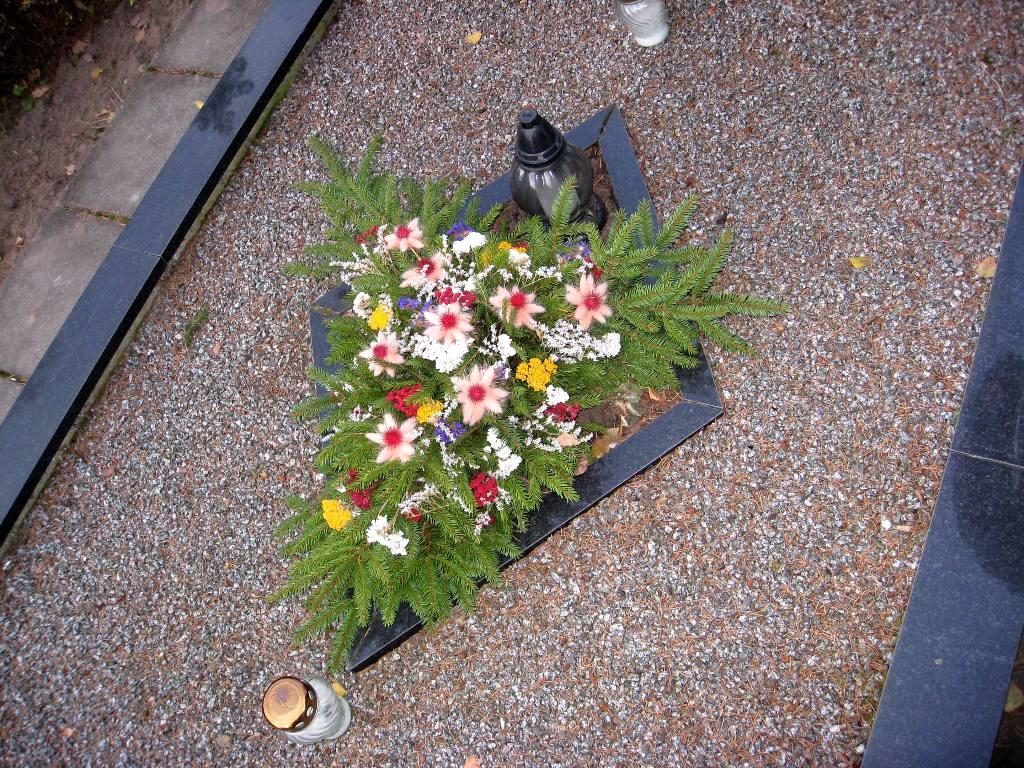 galite kapą papuošti ir patys, naudodami gamtoje randamas medžiagas ir savo kūrybiškumą. Nuotr.L.Liubertaitė