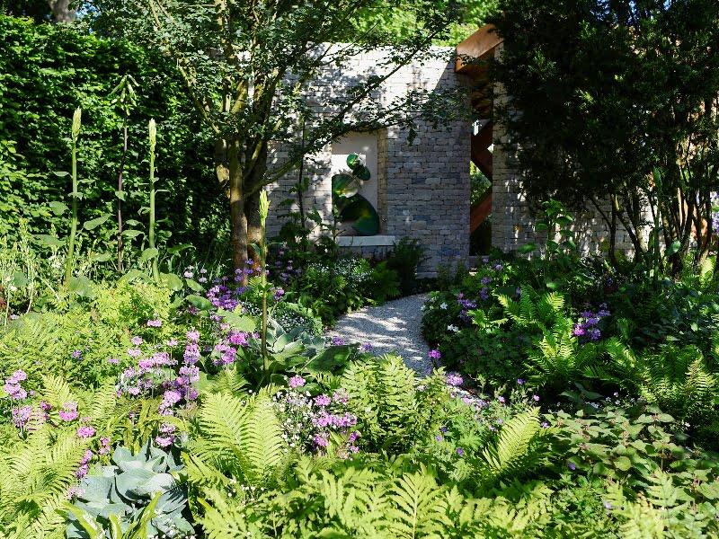 "The Morgan Stanley Garden, dizaineris Chris Beardshaw. Nuotr. A. Butavičiūtė (paroda ""Chelsea Flower Show"" 2017)"