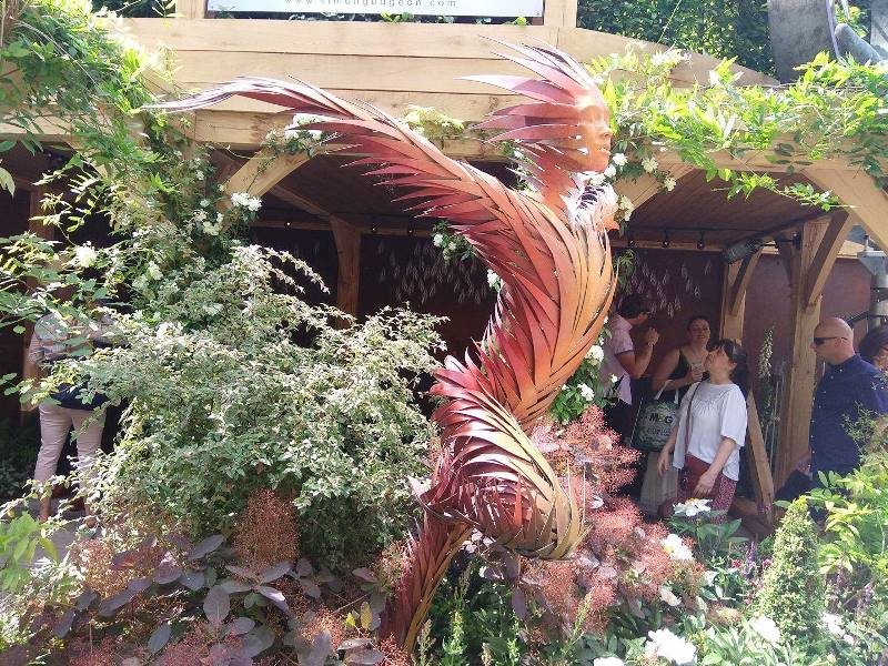 Čelsio gėlių parodoje galima išvysti neįprastų skulptūrų