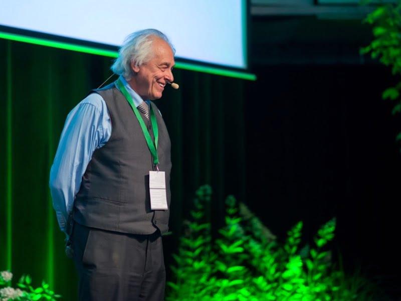 Latvis Janis Ruksans pasakodamas apie svogūninius augalus nepaliko abejingų konferencijos dalyvių.