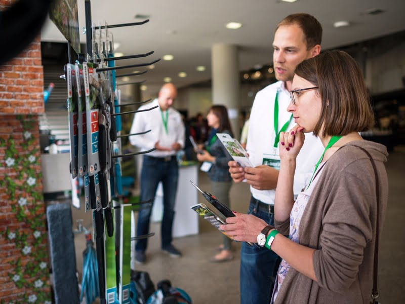 Įmonių atstovai vykusioje parodoje pristatė savo produktus, paslaugas bei dalinosi patarimais.