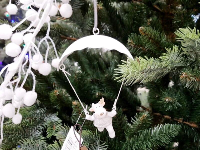 Kalėdinėms lauko dekoracijoms galite rinktis įvairias dekoro detales