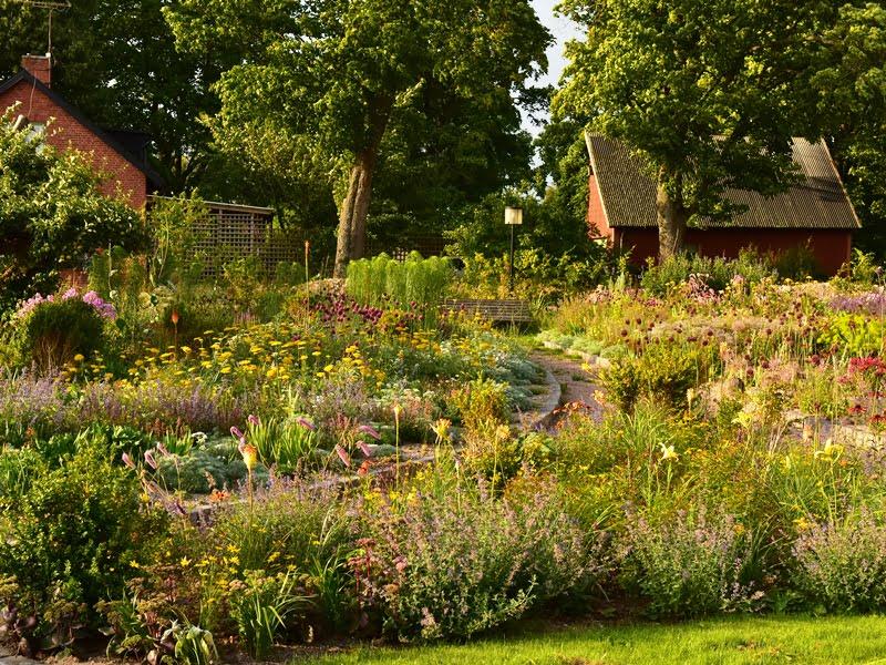 Skandinaviškas aplinkos dizainas  keičiasi ir tampa vis labiau natūralistinis, gamtiškesnis. Nuotr. P.Korn