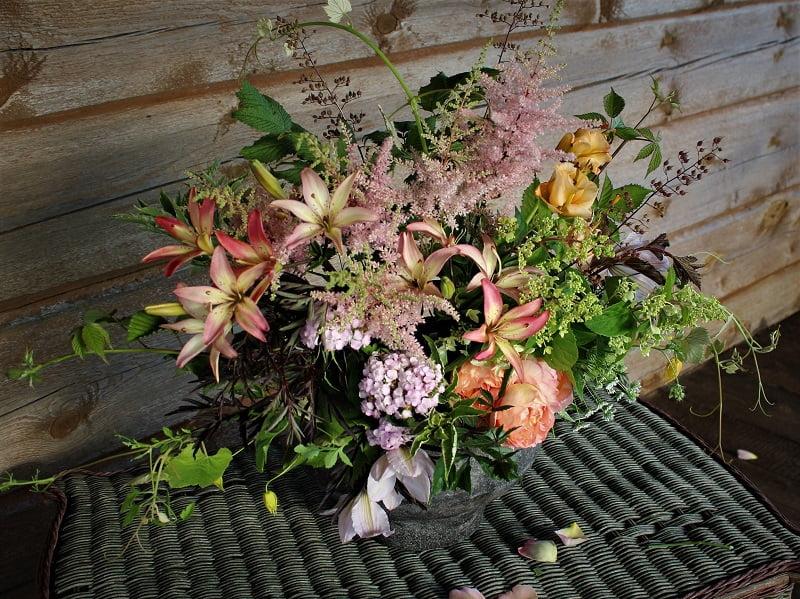 Puokštė iš sodo gėlių. Nuotr.aut. A.Kurauskienė