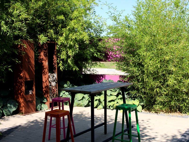 Lauko baldus reikia derinti atsižvelgiant į vidaus ir lauko stilių. Nuotr. aut. L. Liubertaitė.