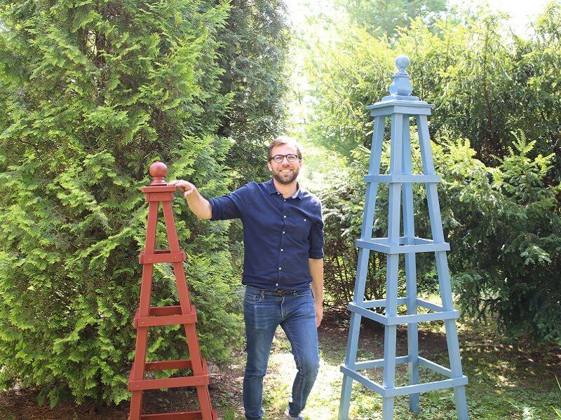 Kiemo dekoravimas obeliskais. Nuotr. L.Liubertaitė