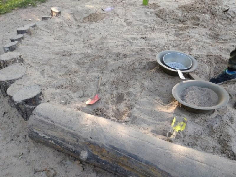 Smėlis — puikus pagrindas vaikų žaidimų aikštelei. Nuotr. Tautvydas Gurskas